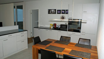 Top! Gemütliche und zentral gelegene 3 1/2-Zimmer Wohnung mit Weitsicht in Muri/AG