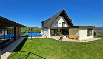 Reserviert!!! Der Traum vom grossen 5 1/2 Zimmer-Haus mit eigenem Swimming-Pool in Dintikon/AG